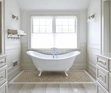 Mẫu phòng tắm với thảm trải sàn xinh xắn