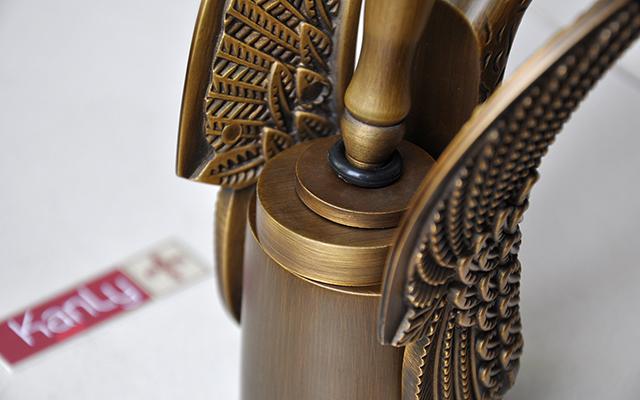 Vòi Lavabo thiên nga bằng đồng cổ điển Kanly GCV096/6