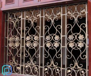 Khung bảo vệ, khung trang trí cửa sổ sắt uốn nghệ thuật sơn epoxy cao cấp cho biệt thự, nhà phố7/10